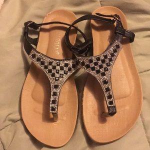 cc07c86dce3c Rasolli Shoes - RASOLLI Rhinestone Thong Sandals Sz 7